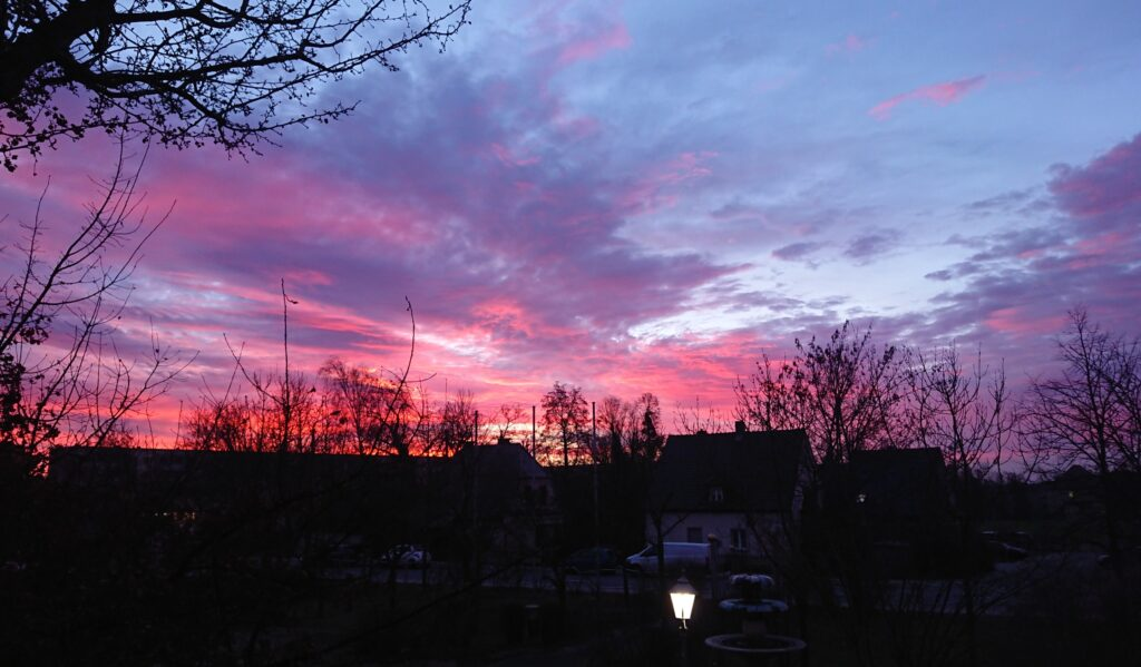 Corona hält mich nicht davon ab, ein Foto des superschönen Sonnenaufgangs zu machen.